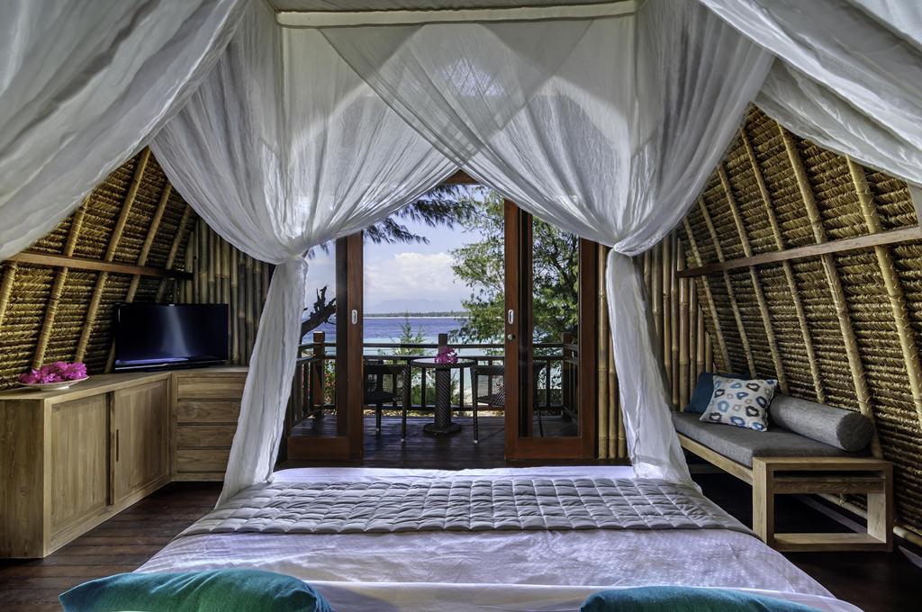 karma_reef_bungalow-_room_1